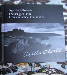 Perigo na Casa do Fundo - Agatha Chris