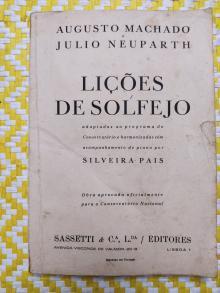 LIÇÕES DE SOLFEJO – Adaptadas ao programa do Conservatório e harmonizadas com acompanhamento de piano por Silveira Pais