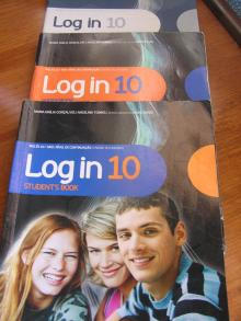 Log in 10 Student's Book Inglês 10º Ano Nível de Continuação + Workbook + Extensive Reading + Fun and Writing Activities
